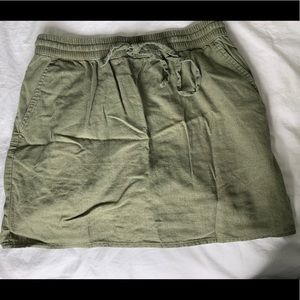 Forever 21 army green linen mini skirt size small